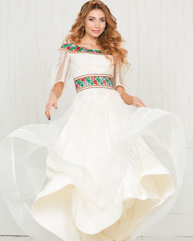 Ідеальна весільна сукня від  oksana polonets. Містись в собі як сучасні  модні тренди 696551674d530