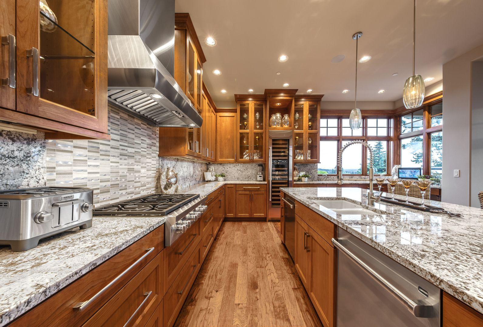 Luxury Homes In Bellevue Wa Steven D Smith Custom Homes Outdoor Kitchen Countertops Outdoor Kitchen Luxury Kitchen