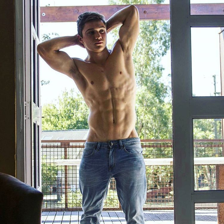 What a physique by @andre_gerber9!