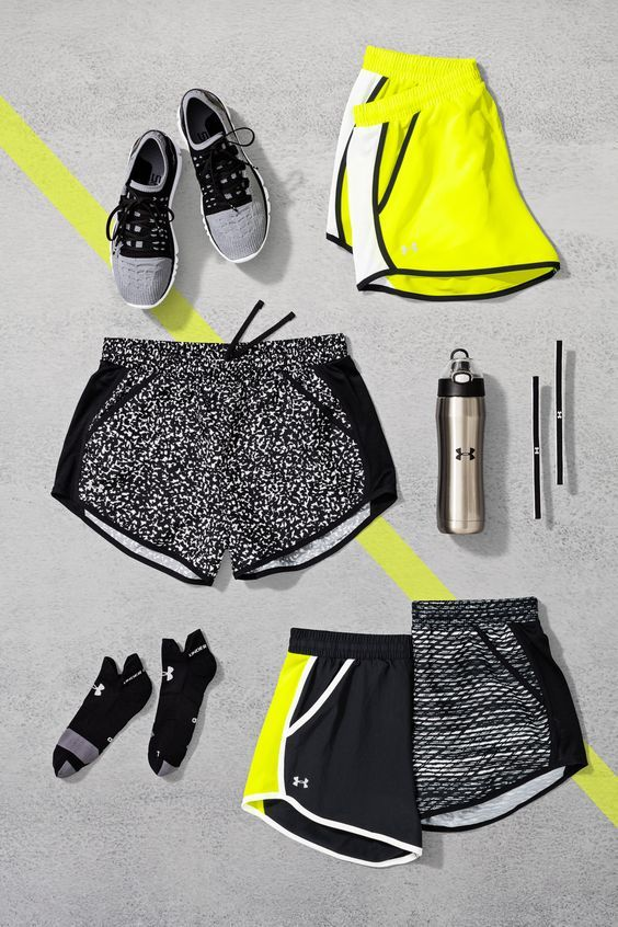 Ready to break records. The Under Armour Fly-By Short will help you look, feel and perform better than ever. Made with a lightweight fabric and pockets to stash your stuff, these running shorts will help you stay focused through every stride.: