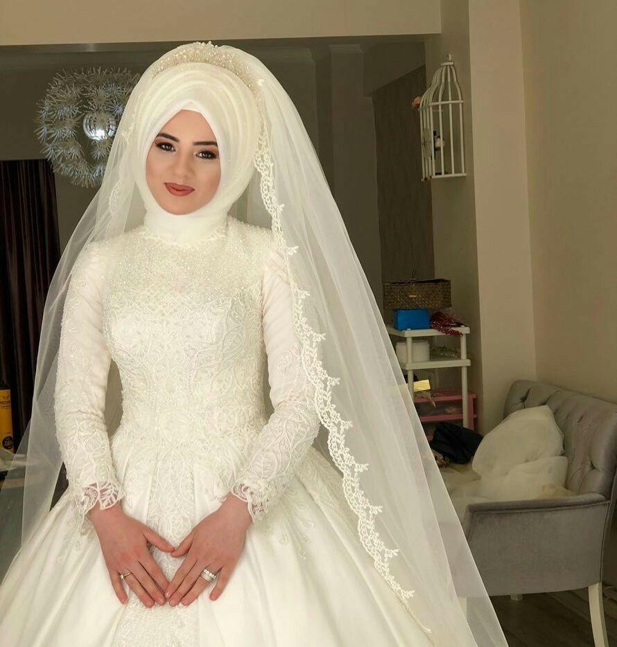 Pin von Nur Nisa auf Hair style &makeup  Muslimische brautkleider