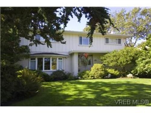 Lovely home in prestigious Uplands Community of Victoria BC | Home ...
