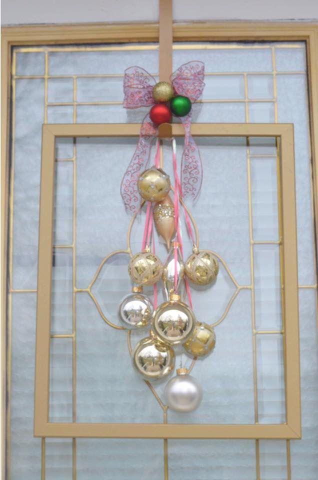 Adorno para la puerta en esta Navidad