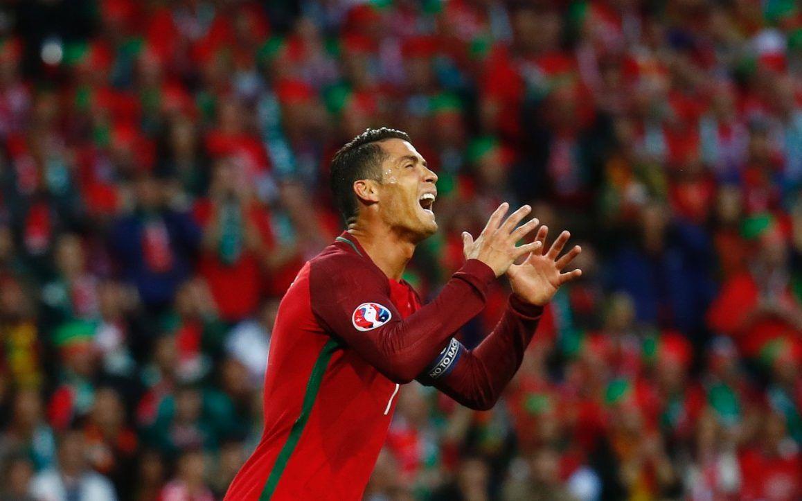 Ronaldo nổi điên với các cầu thủ Iceland - Bongda 247