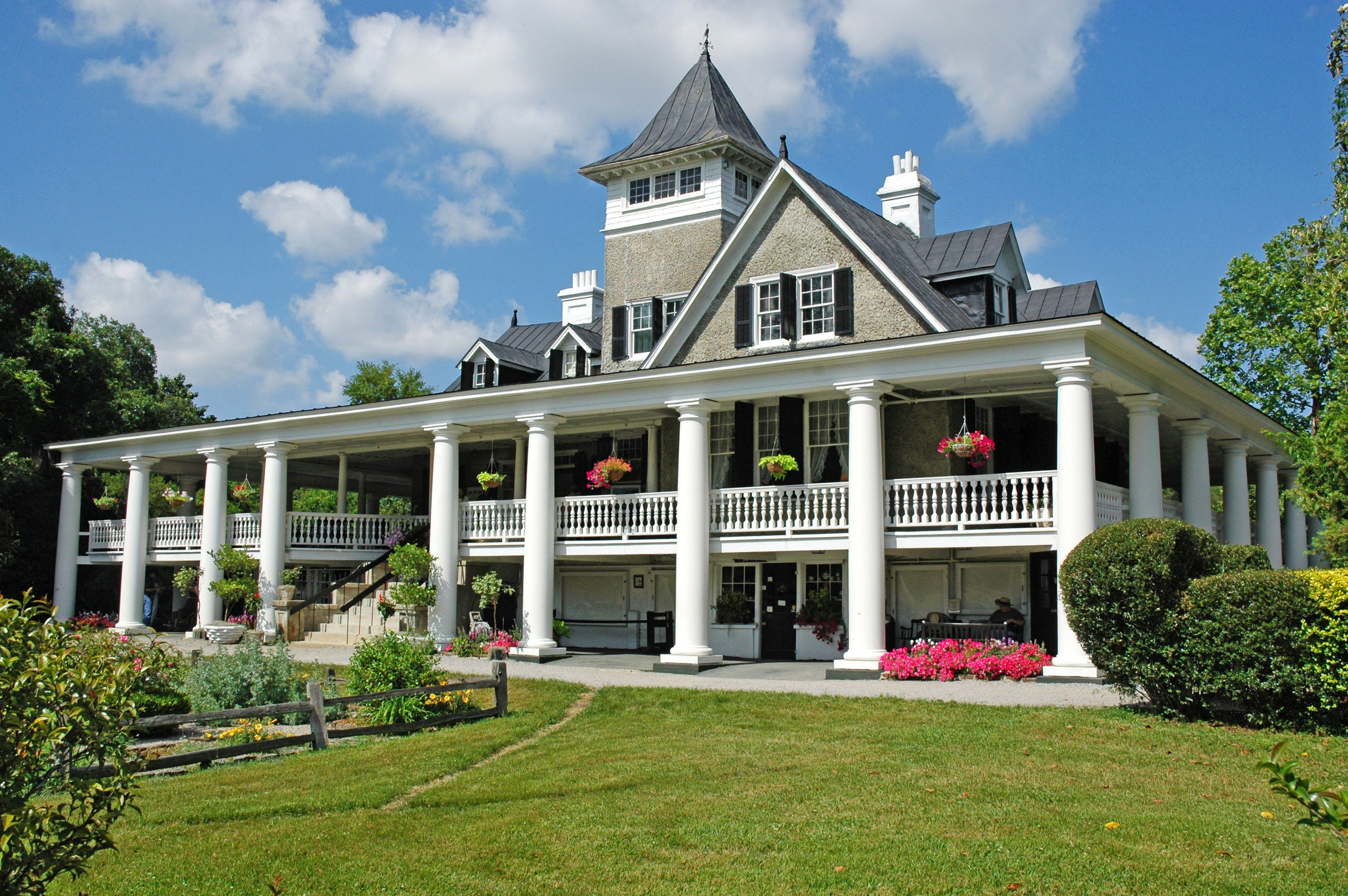 9 Grand Antebellum Homes Rich in History and Stunning