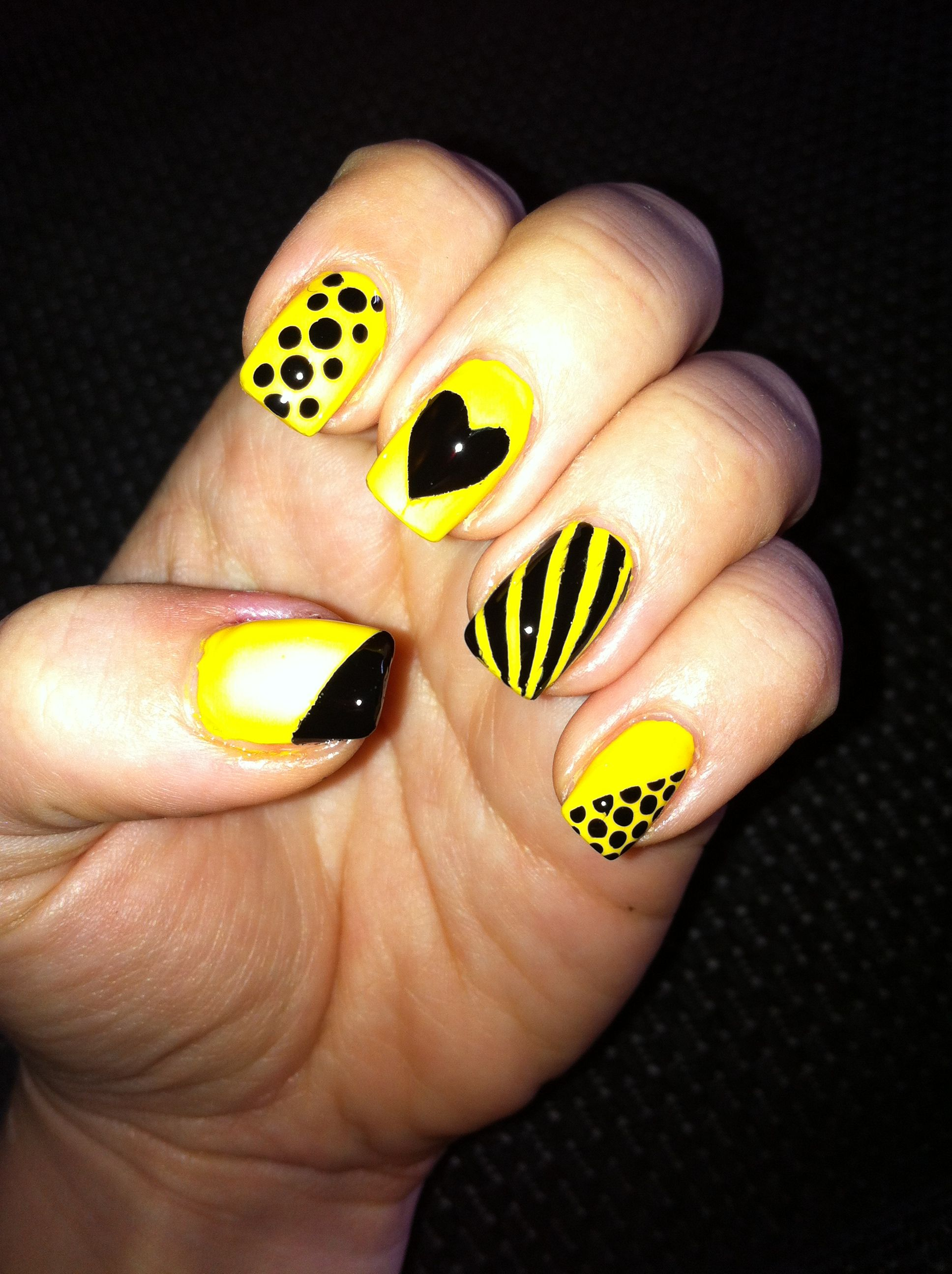 Black and yellow! #nails | yellow is the new black | Pinterest ...