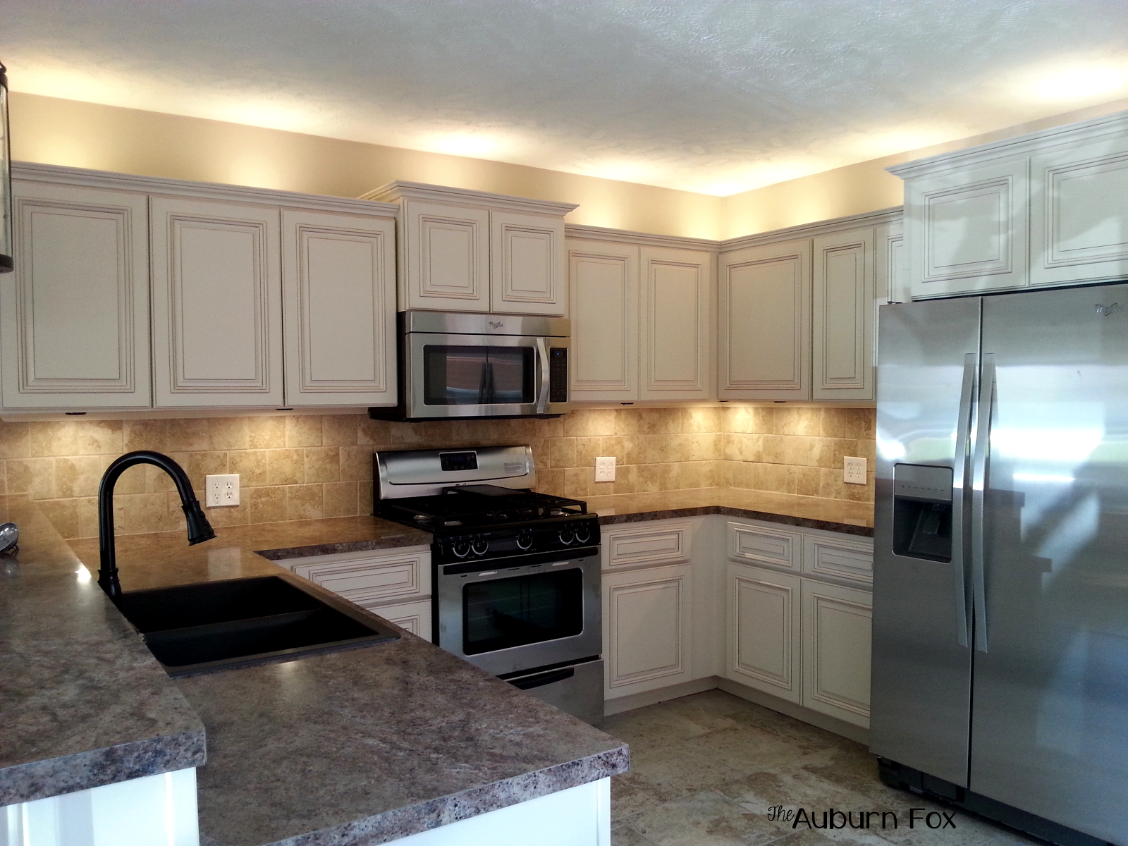 River Run Cabinets, Versitile Grey SW Paint, Amerock Hardware #