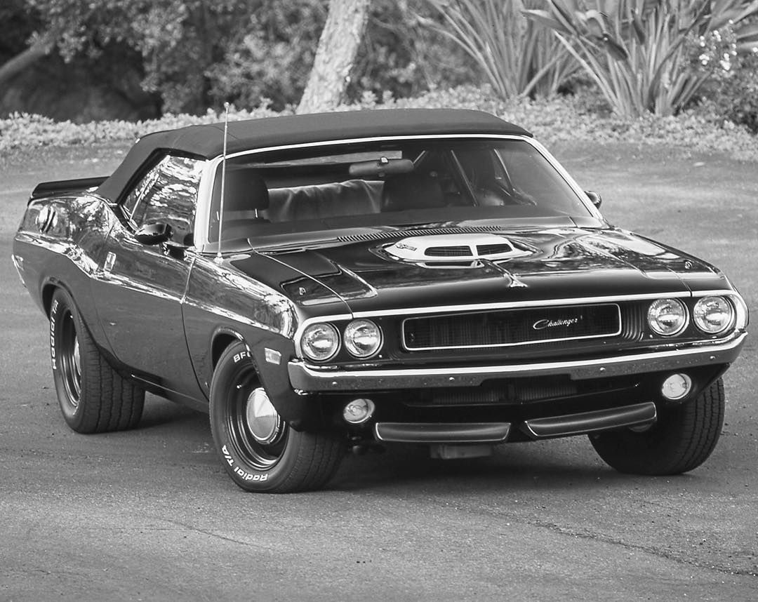 ThrowbackThursday Old school Dodge Challenger. | Classic Cars ...