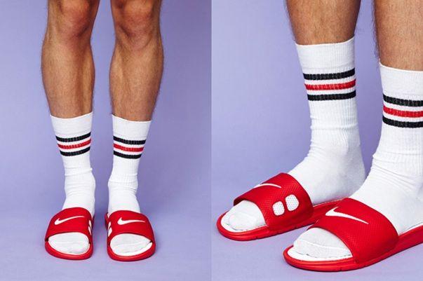 ADIDAS sliders and socks …   Sandalen mit socken, Sport