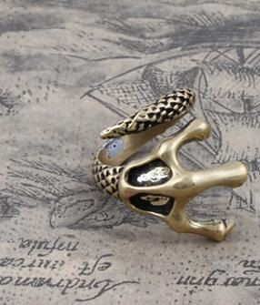 Hey, I found this really awesome Etsy listing at https://www.etsy.com/listing/179667699/the-claw-ring-adjustable-ringmen