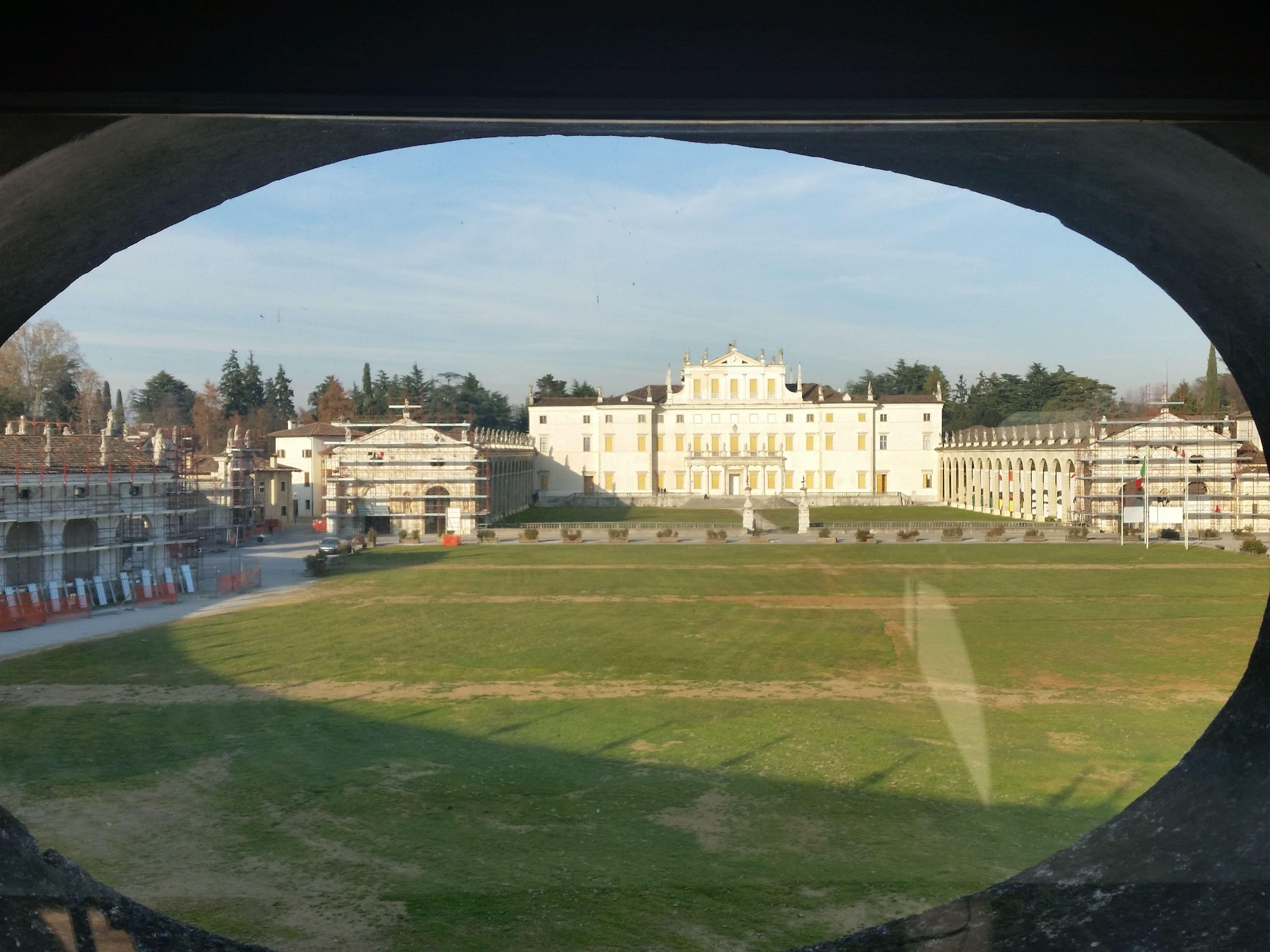 Villa Manin vista dalla sala riunioni dell'IPAC.