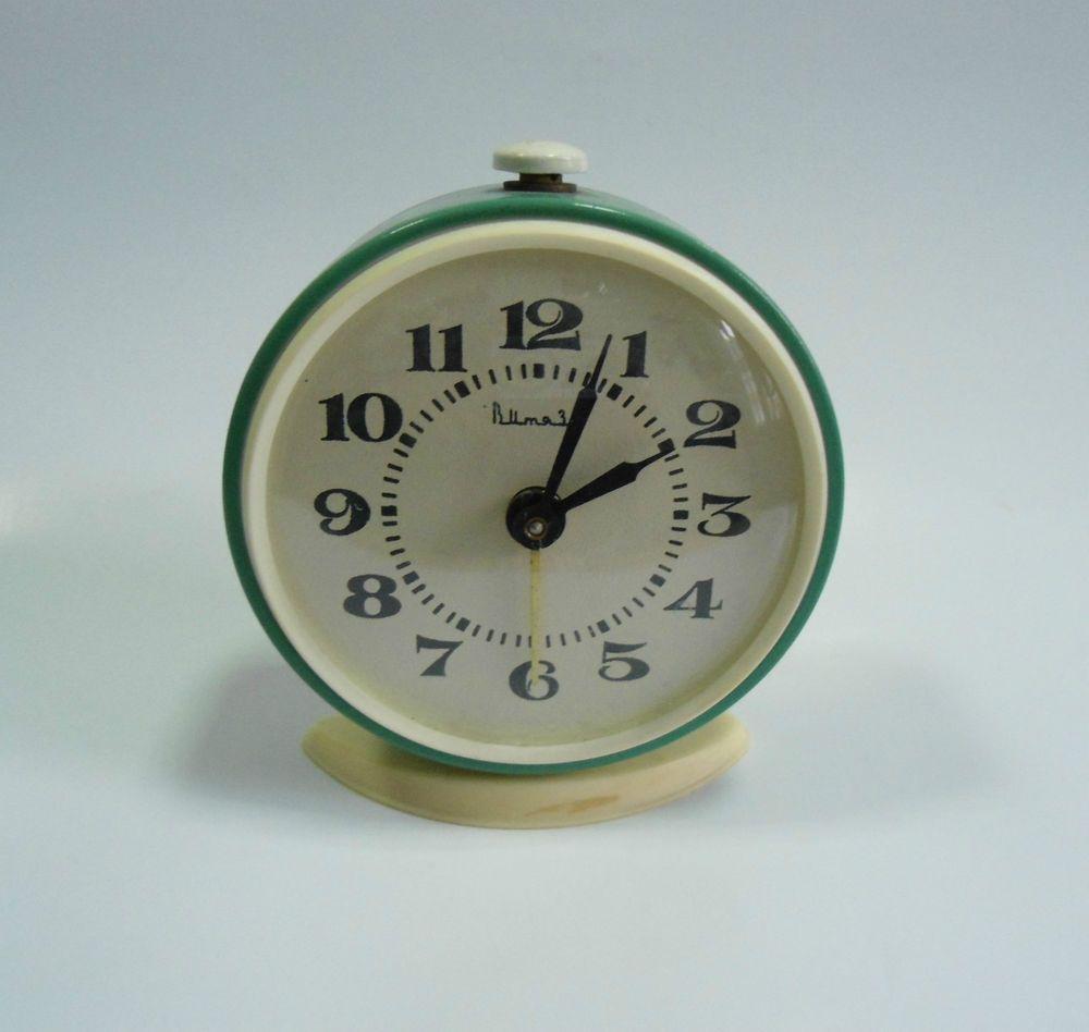 Rare mechanical russian soviet alarm clock watch vityaz ussr 4 rare mechanical russian soviet alarm clock watch vityaz ussr 4 jewels green amipublicfo Images