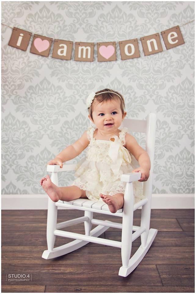 first birthday photo shoot ideas, one year photos, emma is one, indoor photo shoot ideas: