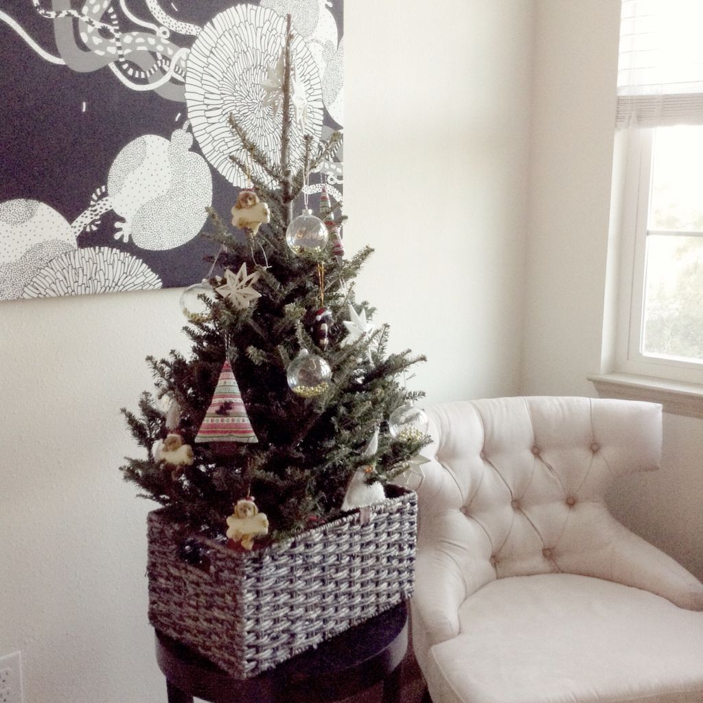 small apartment Christmas tree | Small apartment christmas ...