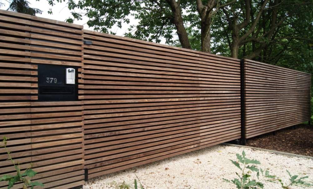Sima met hout beklede poort en doorlopende omheining sima poorten droomhuis pinterest - Buitenkant terras design ...