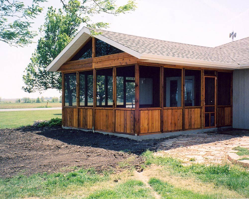 Screened patios screened porch projects bender for Log cabin additions ideas
