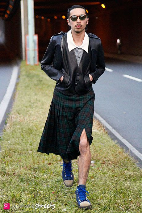 17 Best images about men in skirts on Pinterest | Skirts, Damir ...
