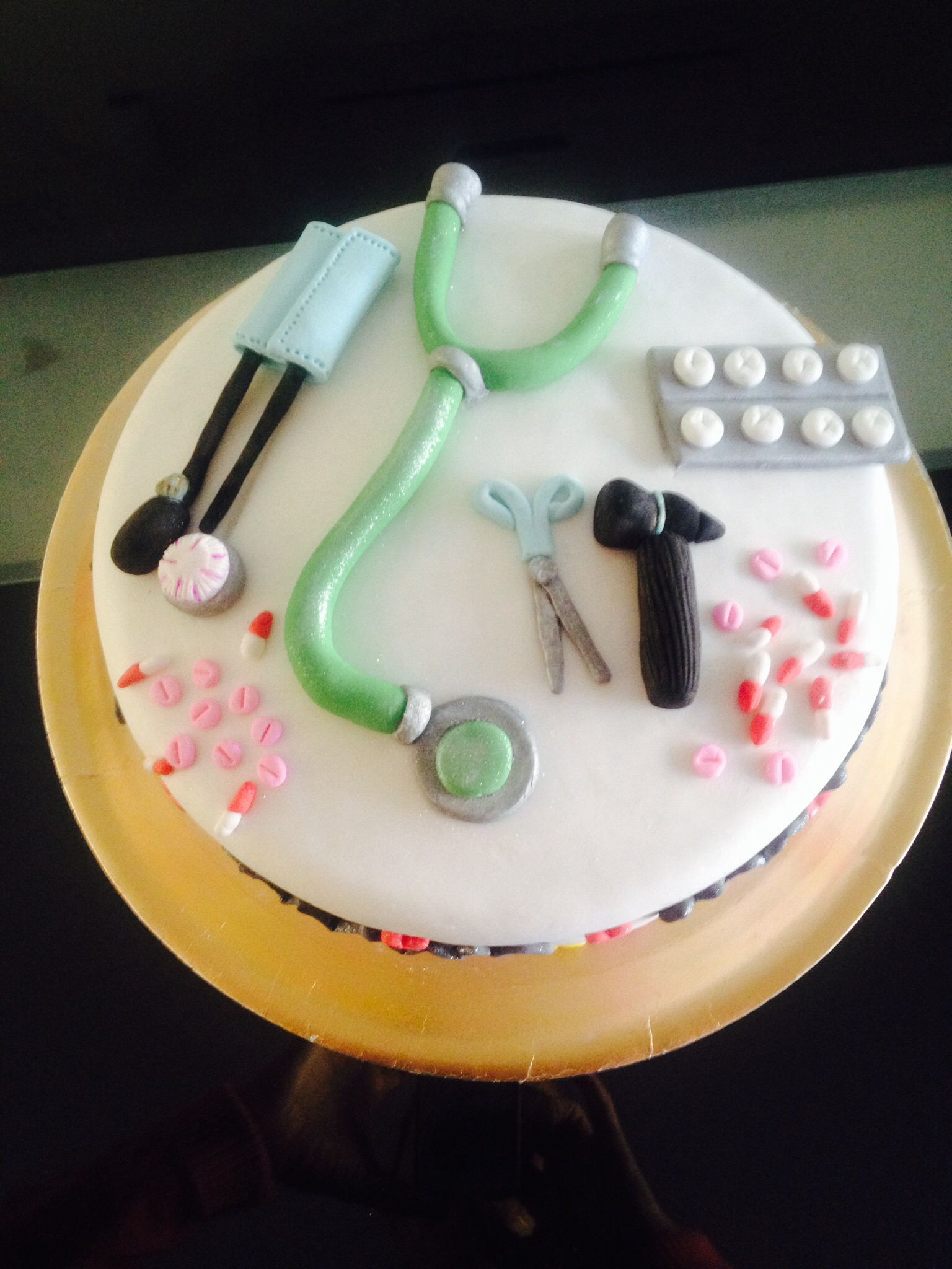 Torta Para Cumple De Medico Mis Tortas Pinterest