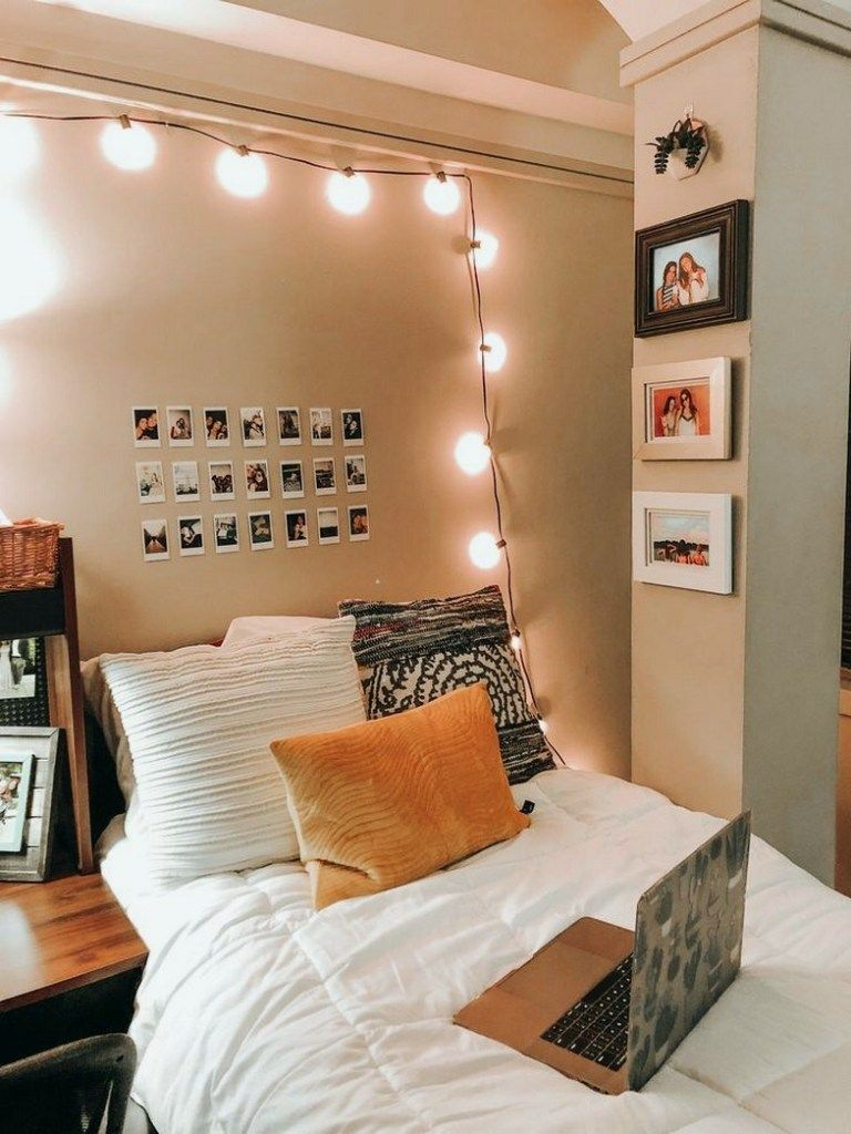 15 Decoration Ideas To Personalize Your Dorm Room With Dormroom Dormroomdecor Dormroomideas Amplifier Dorm Room Decor Dorm Room Inspiration Room Makeover