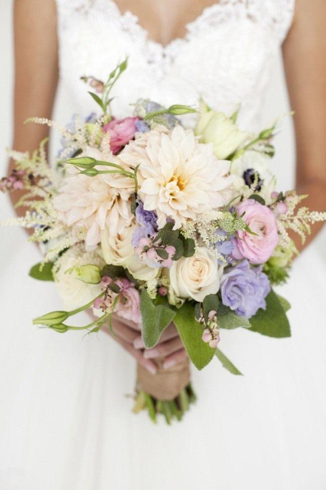 bouquet de mari e en 100 id es d 39 apr s le langage des fleurs couleurs douces champetre et de. Black Bedroom Furniture Sets. Home Design Ideas