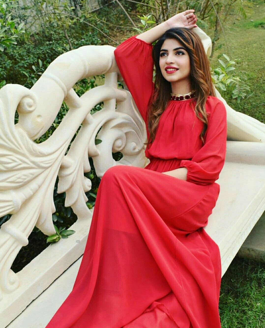 Kinza Hashmi HQ pictures images