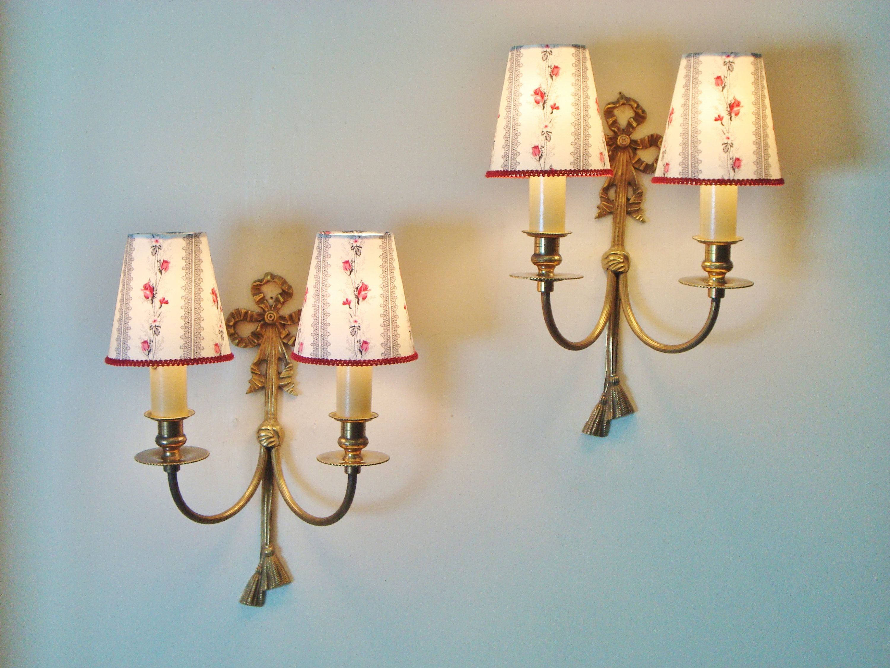 Vintage Ribbon Sconces With A Set Of Handmade Rosebud Lampshades Made From A 1950 S Fabric In 2020 Lampshades Sconces Vintage Ribbon