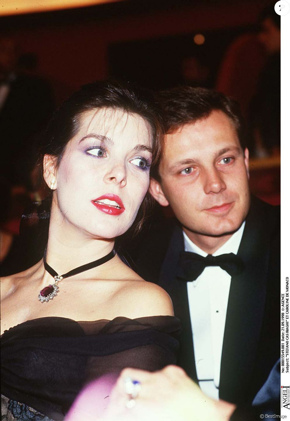 c907abacb6 La princesse Caroline de Monaco et Stefano Casiraghi en décembre 1987 à  Paris lors d une soirée au profit de la lutte contre le sida.