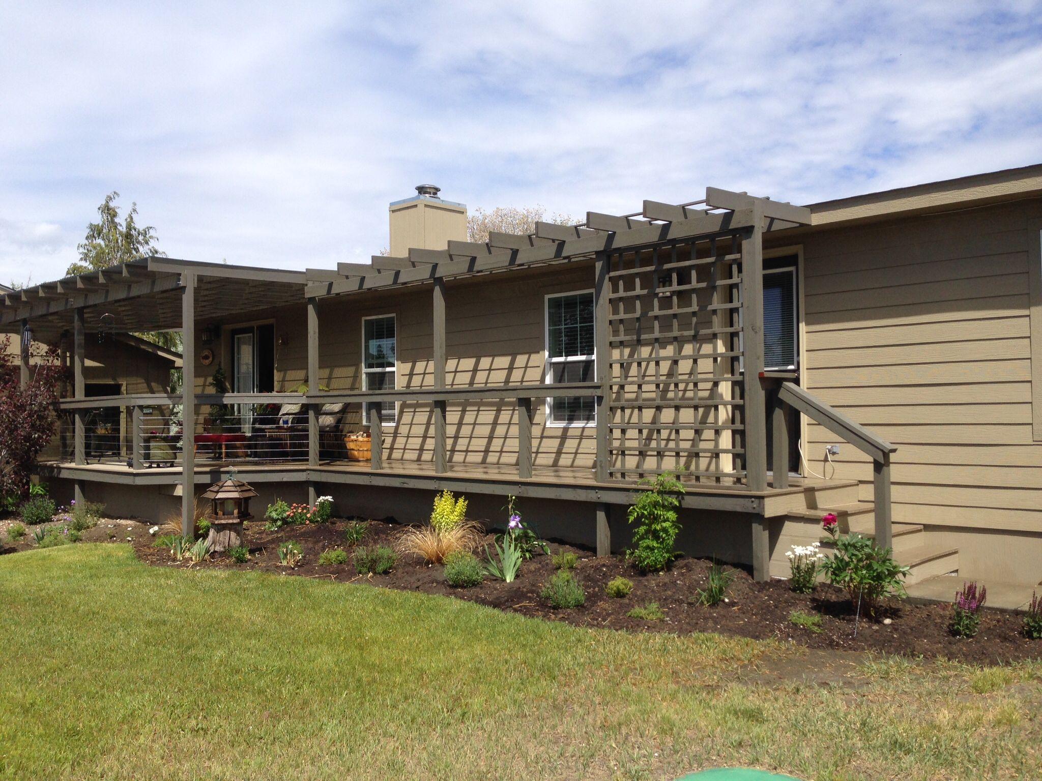 Frontside deck and pergola Lake house, House styles, Pergola