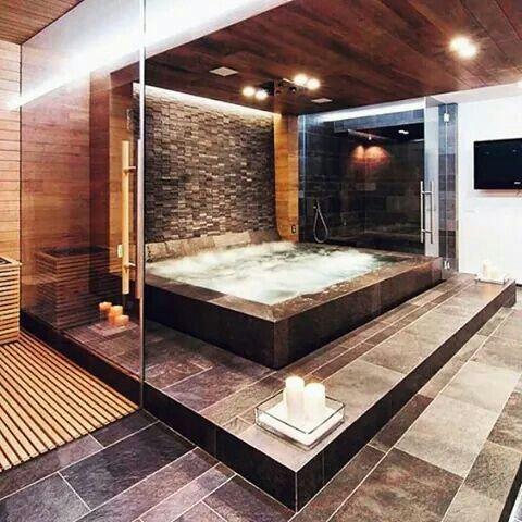 Modernes Luxuriöses Badezimmer, Luxus Badezimmer, Traumhafte Badezimmer,  Riesige Badewanne, Home Design, Badezimmer, Holz, Badezimmerideen, Weiße  Jungs