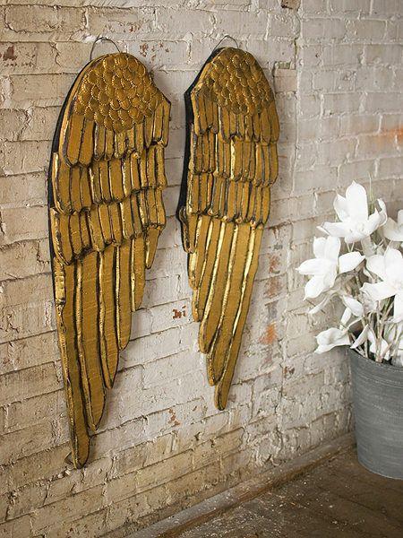 Gold metal angel wings wall decor