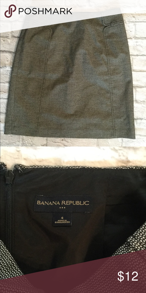 fa928c60d Banana Republic Skirt Size 4 black and white patterned skirt Banana  Republic Skirts Midi