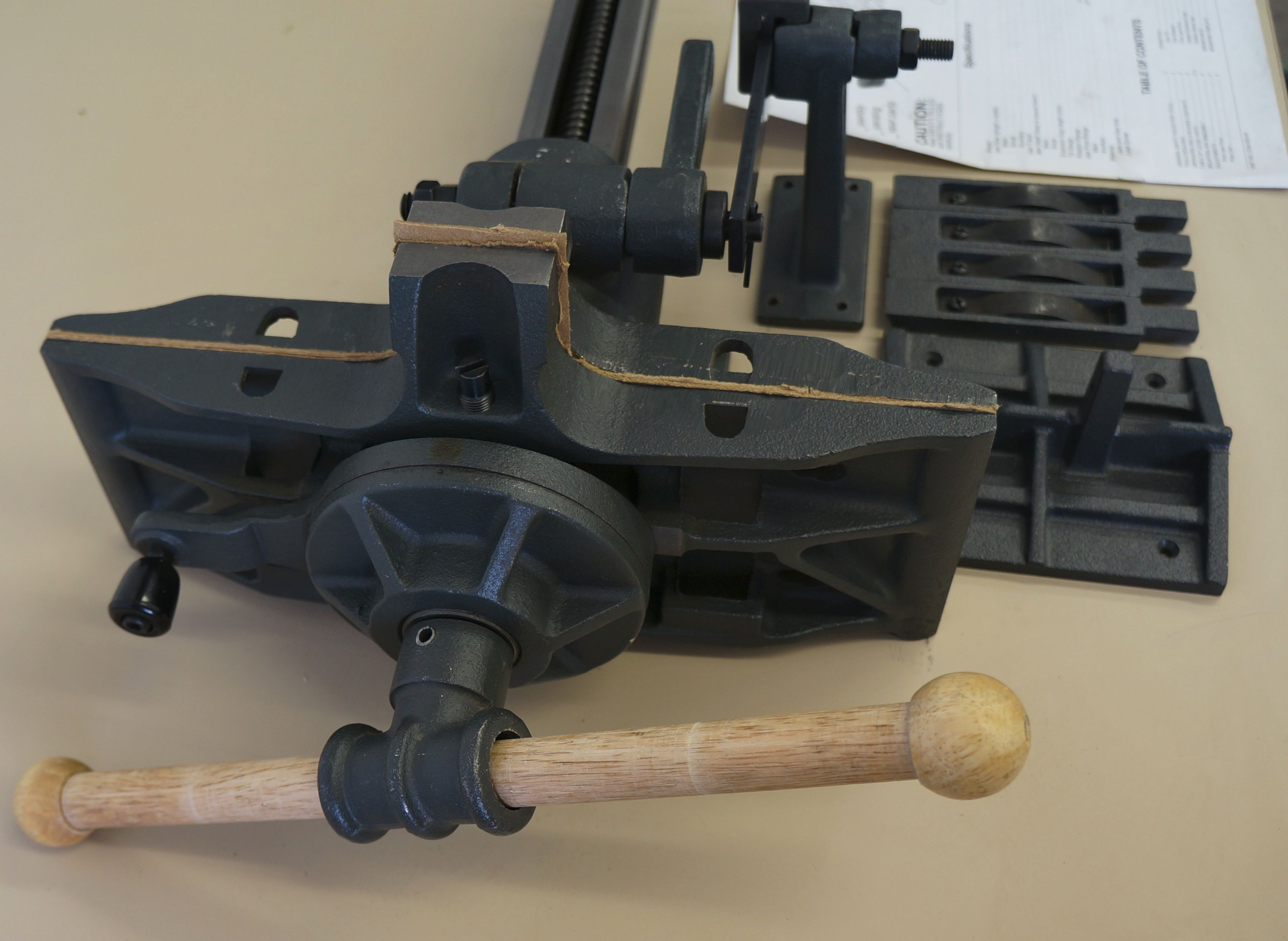 Pattern makers vise. www.nebraskatool.com #vise #woodworking #shop tools Wood crafting tools