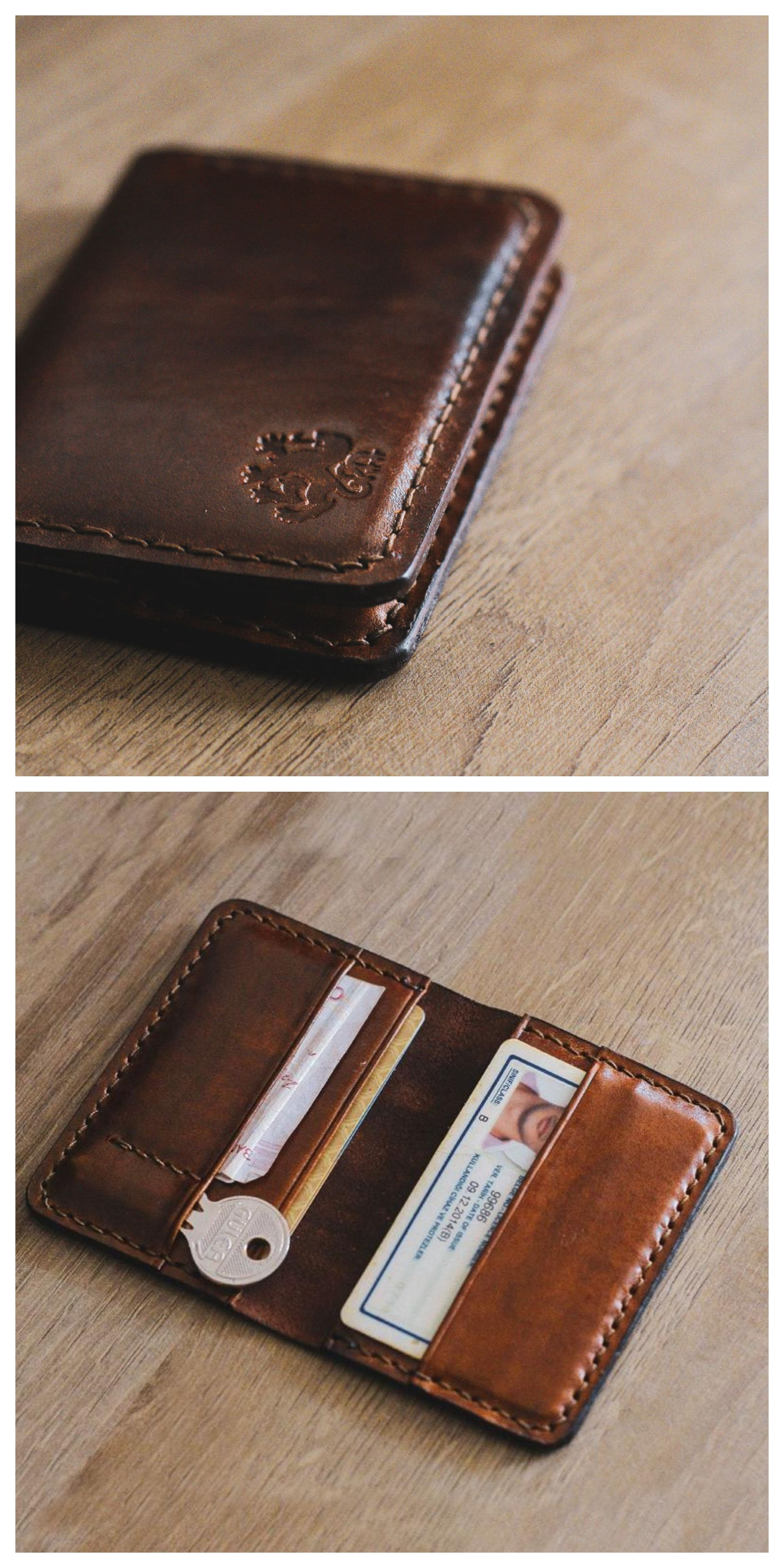 Personalized Mouse Love Genuine Leather Mens Bi-fold Wallet