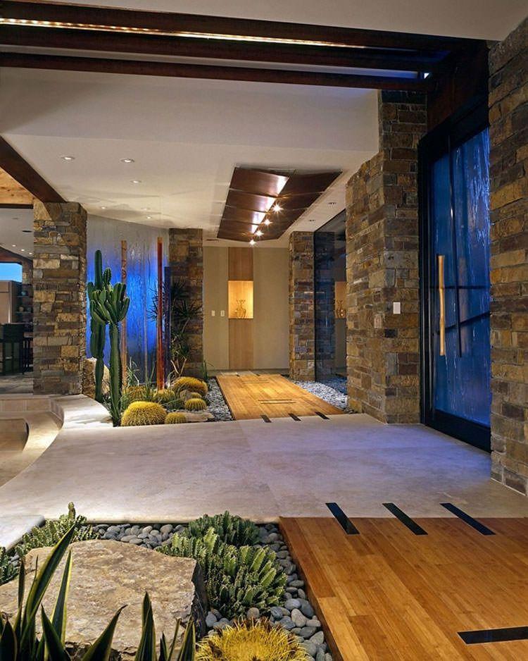 Per quanto riguarda gli interni di una casa moderna, lo stile d'arredo detto minimale è sicuramente il più conosciuto: Giardini Interni 40 Idee Per Una Casa Piu Green Mondodesign It Indoor Courtyard Courtyard Design Dream Backyard Garden