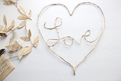 Craftberry Bush: Sharing a little bit of love.....a paper wreath