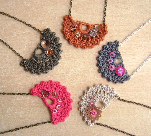 crochet patrons modeles gratuits accessoires acess rios artesanais croch et j ias de. Black Bedroom Furniture Sets. Home Design Ideas