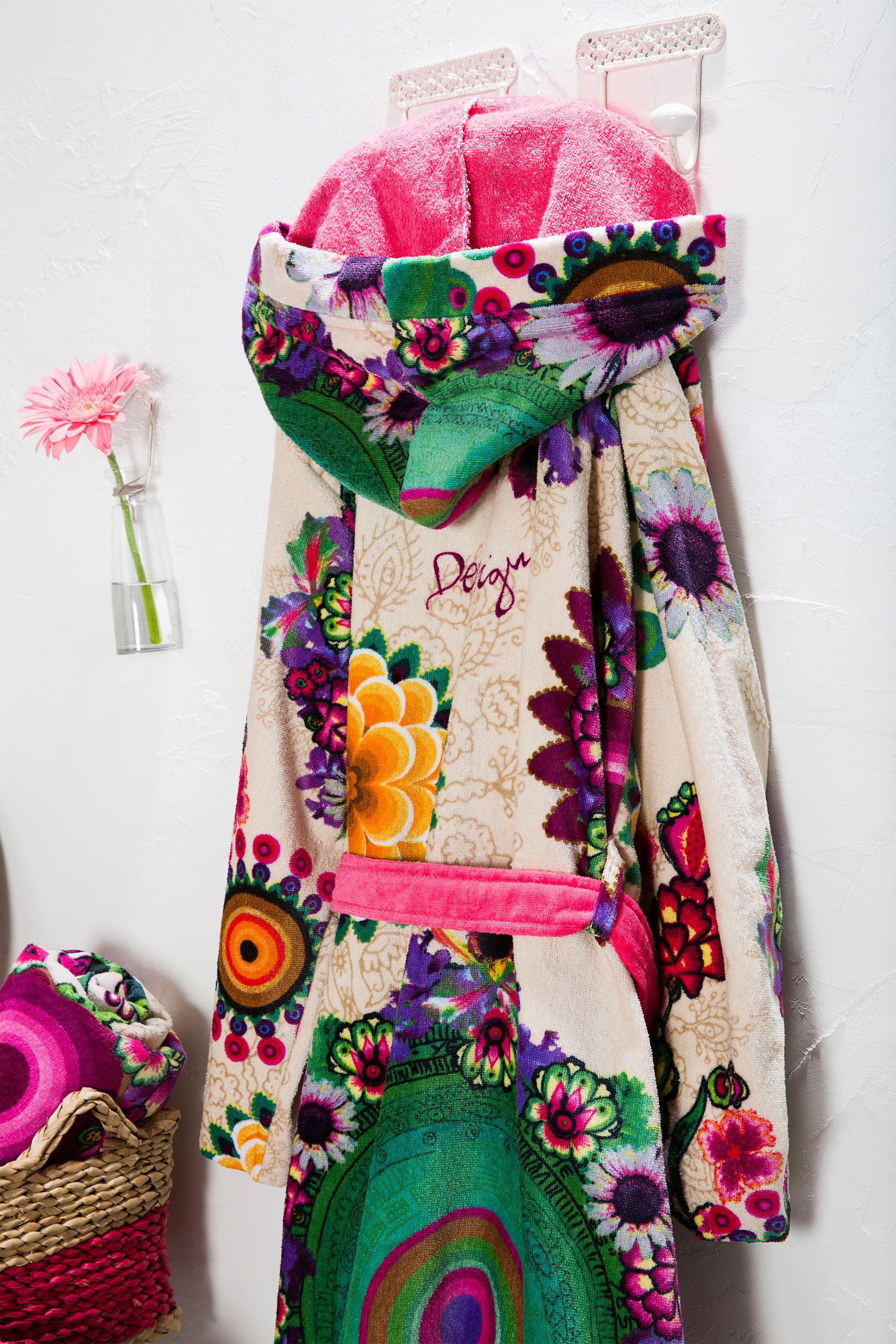 bda0309e416 This soft floral Desigual bathrobe is too good to stay on the hanger ...
