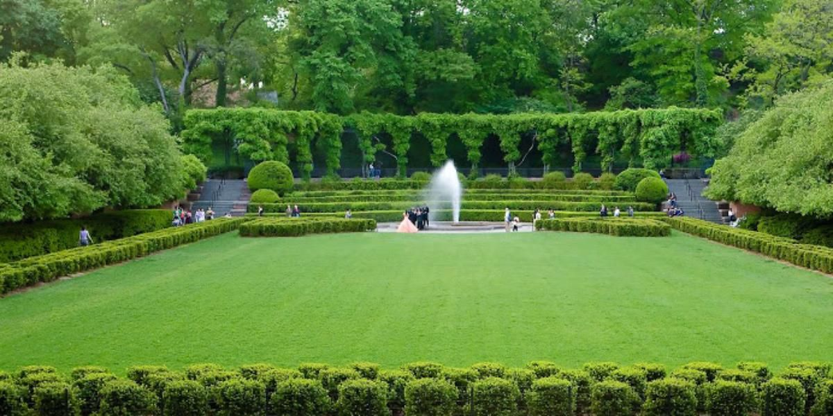 Central Park: Conservatory Gardens Weddings | Get Prices for Manhattan Wedding Venues in New York, NY #conservatorygarden