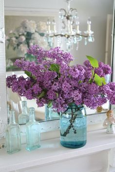 I love lilacs ! As a child growing up the whole side of our house was lined with lilac trees. So in the spring it was amazing both outside and in .......