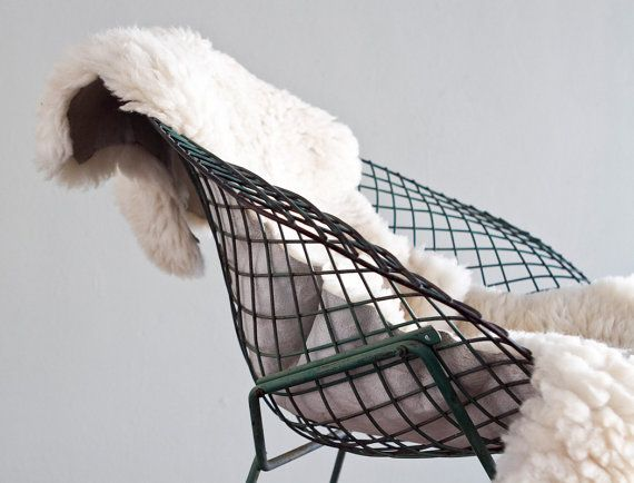 Remarkable Icons Of Mid Century Design The Bertoia Diamond Chair Squirreltailoven Fun Painted Chair Ideas Images Squirreltailovenorg
