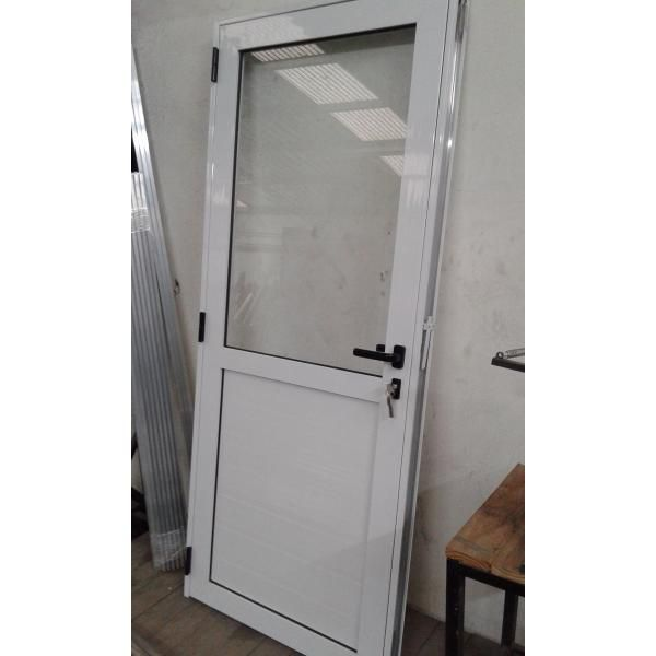 Puerta Aluminio Blanco Reforzada 50 Vidrio De 4mm Puertas De Aluminio Blanco Puertas De Aluminio Puertas De Bano Aluminio