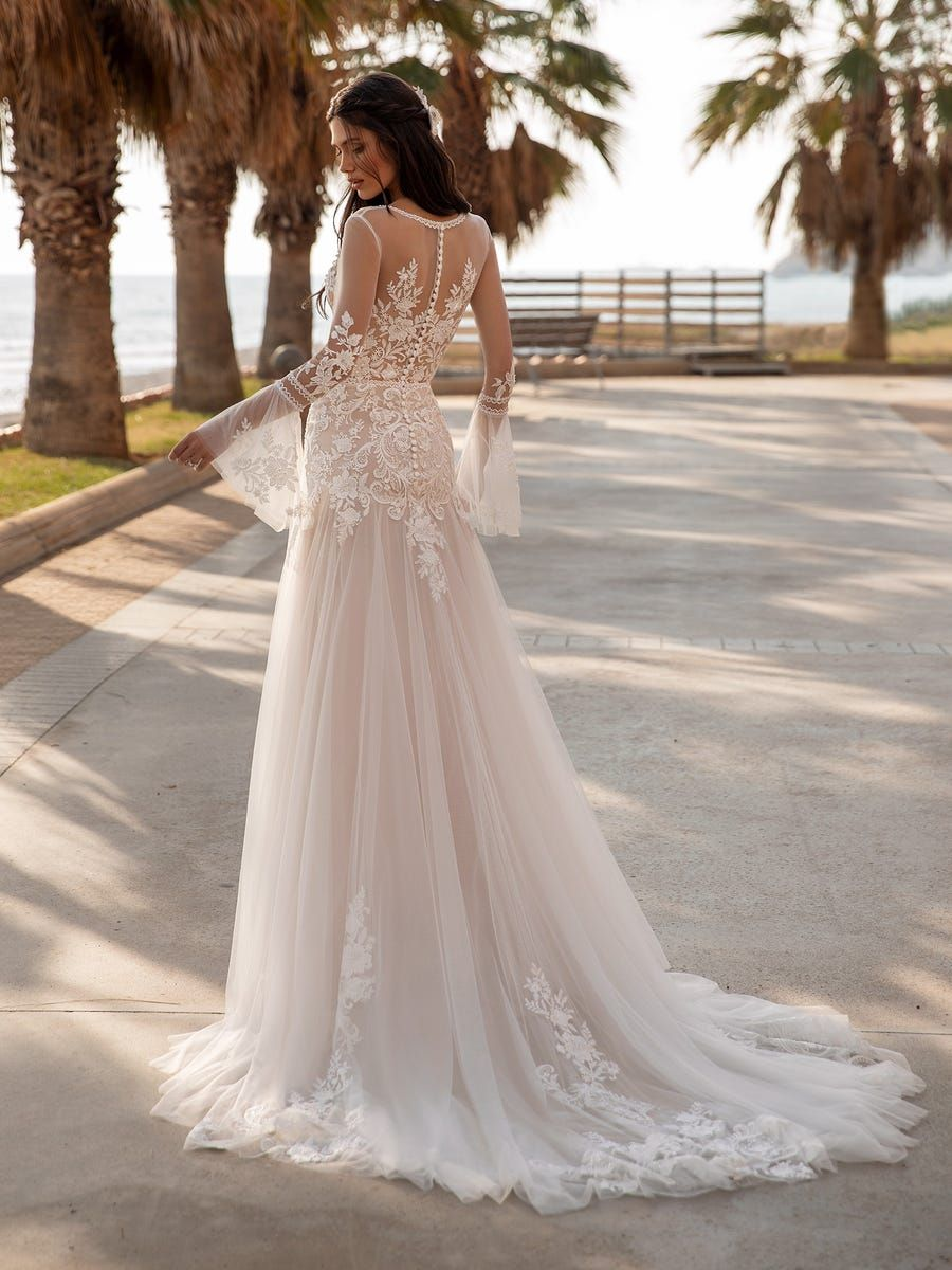 Tyson Gown By Pronovias At Luv Bridal In 2020 Wedding Dresses Whimsical Pronovias Wedding Dress Wedding Dresses Chicago