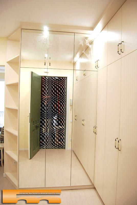 Suministro y colocaci n de armarios a medida en el recibidor con puertas batientes de espejo y - Recibidor con armario ...