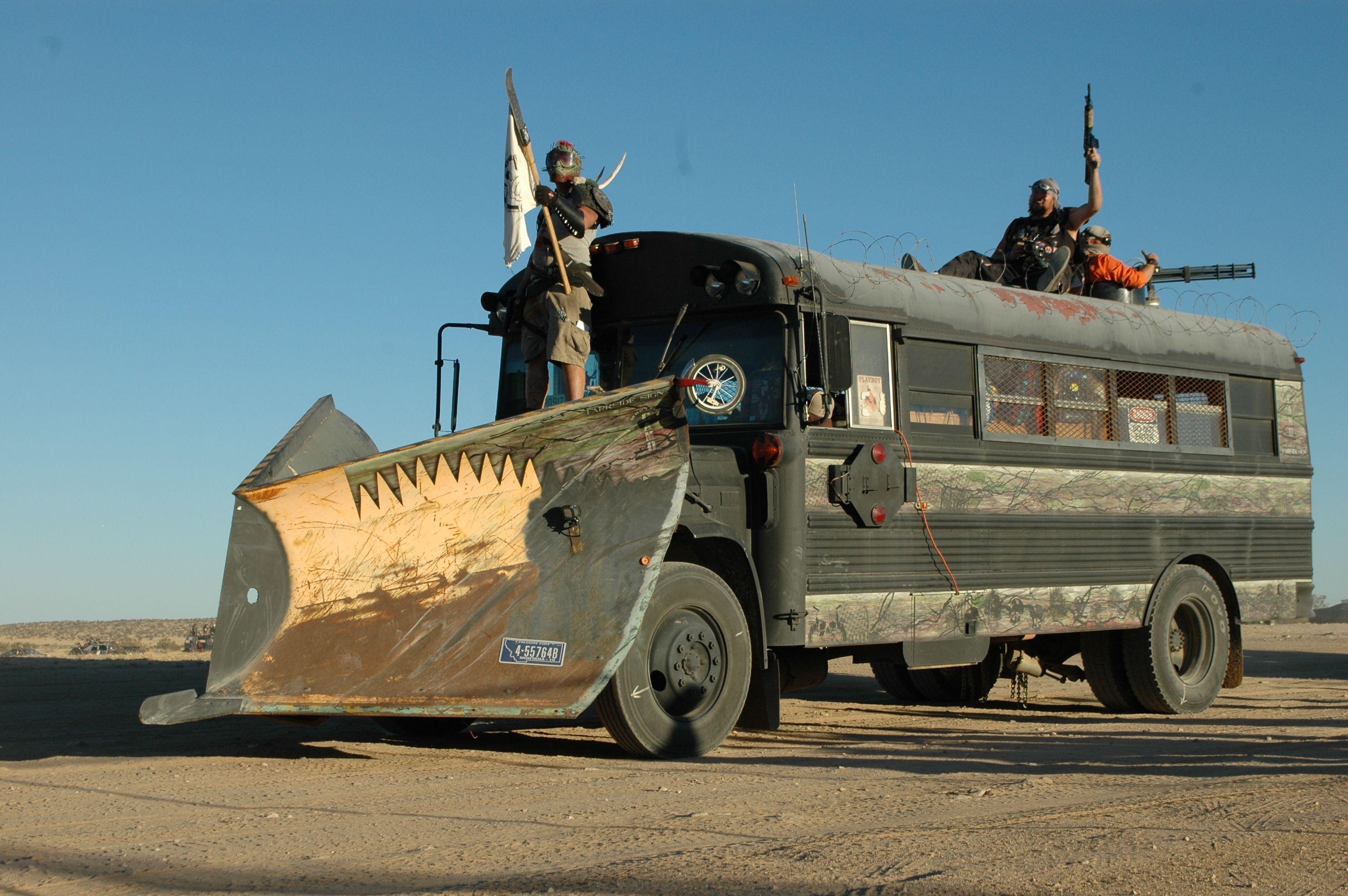 фото грузового автомобиля из ада подорвались мине уже