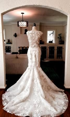 Stephen Yearick Find It On Preownedweddingdresses Com Used
