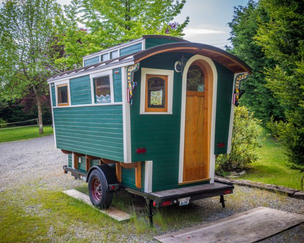 Packwood wa cabin heaven hiker 39 s oasis tiny homes for Cabin a camper for sale