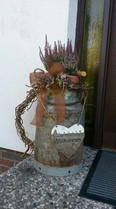 Herbst vor der Haustür mit alter Milchkanne - #alter #der #Haustür #herbst #Milchkanne #mit #Vor #weihnachtsdekohauseingang