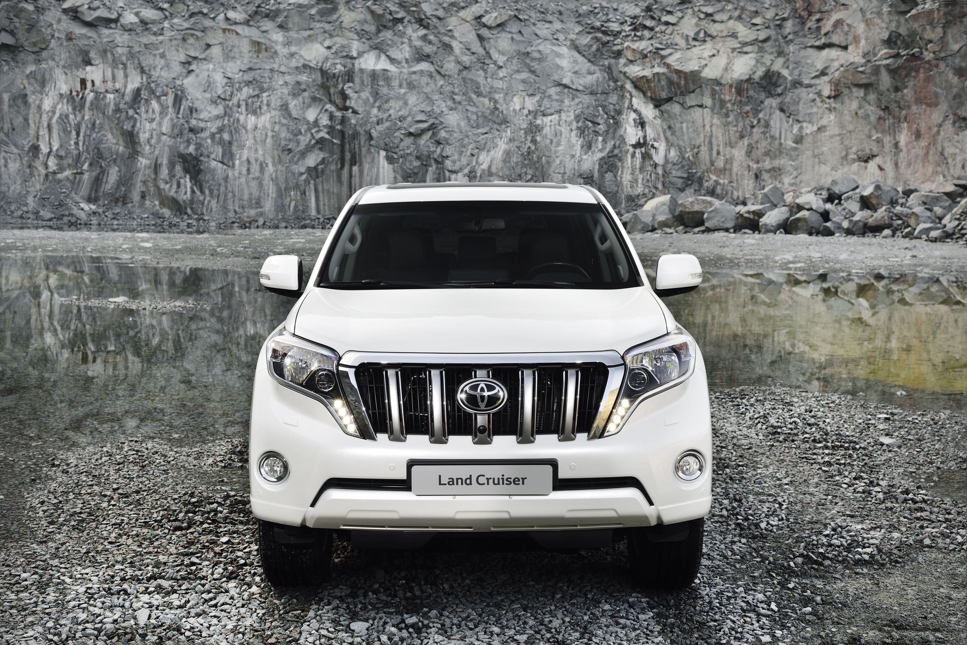 India bound 2014 toyota land cruiser specifications out uk
