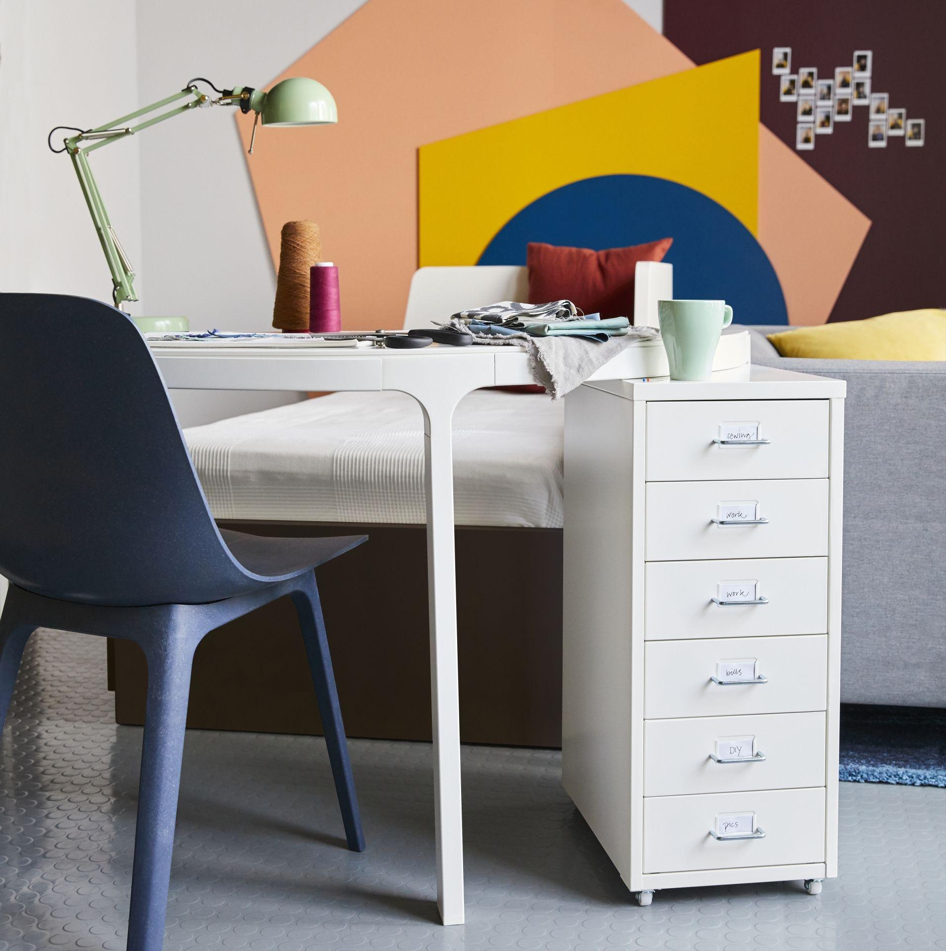 ODGER Eetkamerstoel, blauw | IKEA catalogus 2018 | Pinterest | Door ...