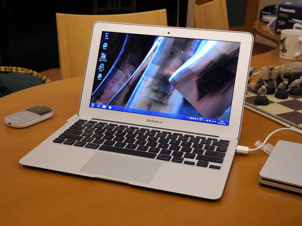 Laptop screen repair is sooooo much less than you think